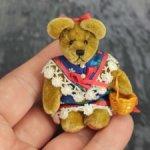 Мишка Кэти от World Of Miniature Bears. 1996 год. 7 см