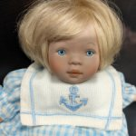 Малышка в матроске от Pauline Bjonness Jacobsen. 17 см