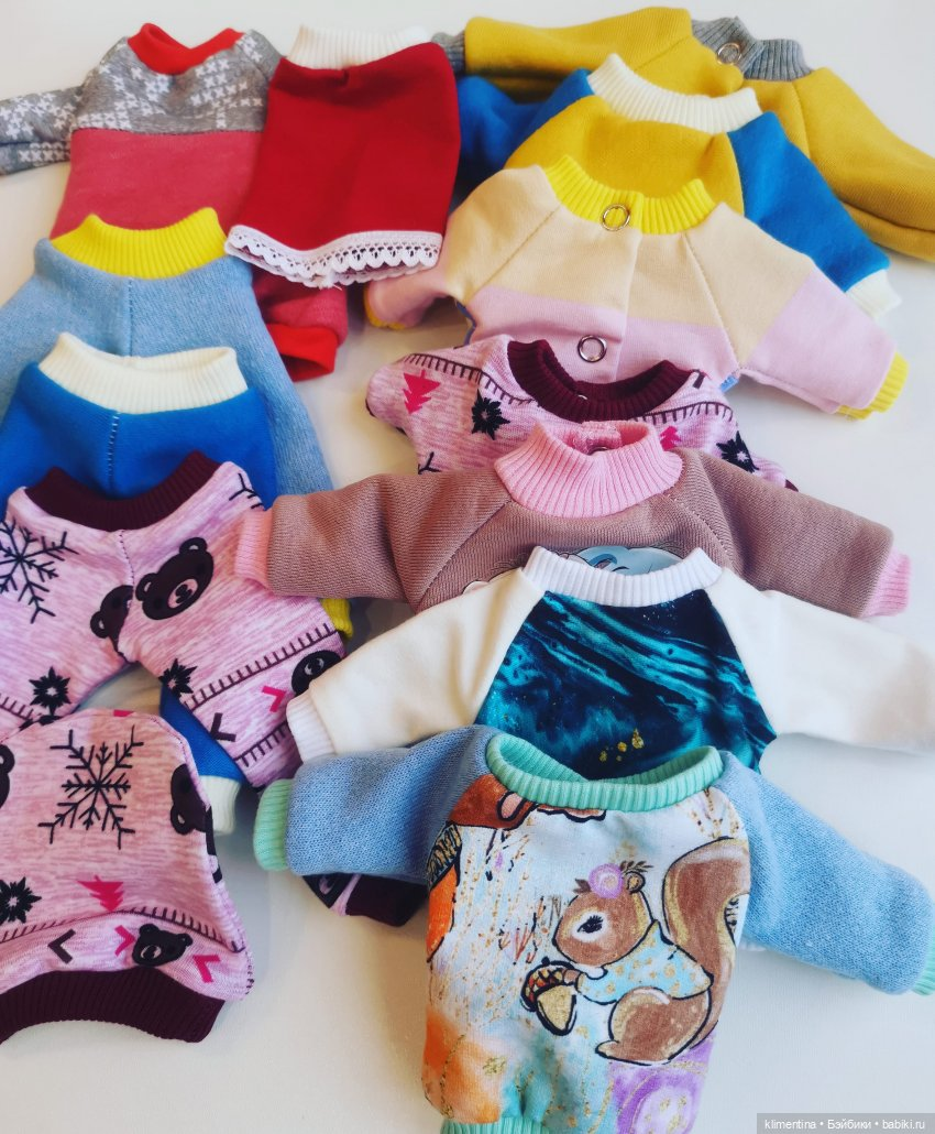 7 кофточек, 3 штанишек, юбочка, шапочка, платье, кто заберёт все сразу отдам за 1000