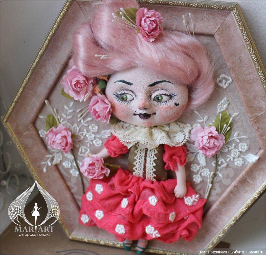 """Интерьерная кукла в рамке """"Розочка"""""""