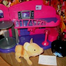 Интерактивная свинка Пиггис-милашка в чайной чашке от Teacup Piggics с домиком