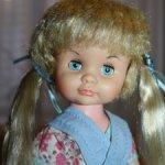 Серьезная девочка от Allied Doll & Toy, США 1963 г.