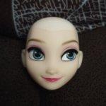 Голова принцесса Диснея Эльза без волос