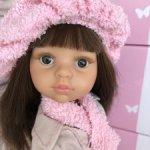 Кэрол в розовом берёте с тёмными волосами, карими глазами от Паола Рейна(Paola Reina)
