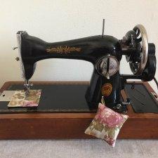 В День Победы о «Победе»: история старенькой швейной машинки