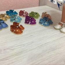 Разная обувь из натуральной кожи и замши для Paola Reina.