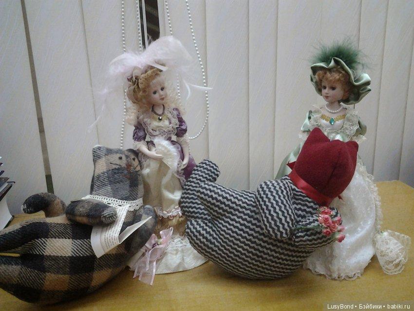 Дамы эпохи и коты Тильды.