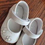 Кожаные белые туфельки с жемчужинками. Распродажа!