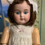 Антикварная кукла VIOLA