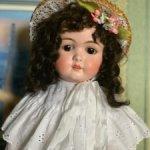 Продам антикварную куклу TAFT