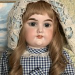 Антикварная кукла Дюшес
