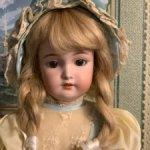 продам антикварную куклу