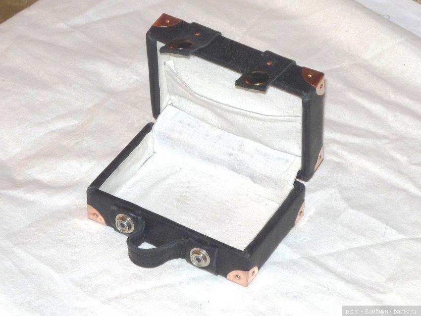 чемоданчик для куклы