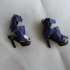 Цена ниже. Фирменная обувь от куклы Fashion Royalty на запчасти или восстановление.