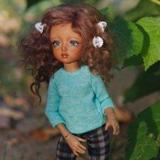 Чудесный по-летнему осенний день... Лилу идёт на прогулку... У нас всё впервые