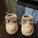 Продам две пары обуви для кукол. Цена за каждую пару.