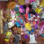 Разные аксессуары для кукол лотом