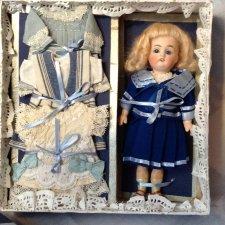Коробки с сокровищами. Антикварная кукла с приданым. Кестнер 133