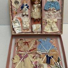 Девочка с лошадкой. Коробочка для антикварной куклы.