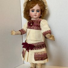 Платье для антикварной куклы по антикварному примеру