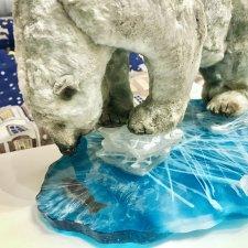 Белый медведь Айс(Айсберг) и его льдина