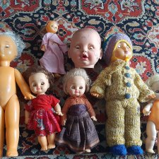 Галерее подарили кукол