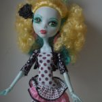 Лагуна Блю Монстр Хай (Lagoona Blue Monster High Exchange).