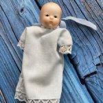 Фарфоровая реплика антикварного малыша