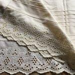 Винтажная ткань с шитьём для кукол