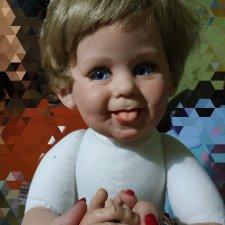 Кукла коллекционная от Fayzah Spanos