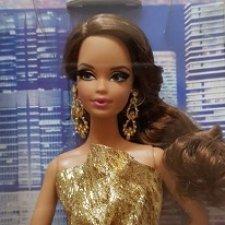 Барби Лук Городской блеск в золотом платье