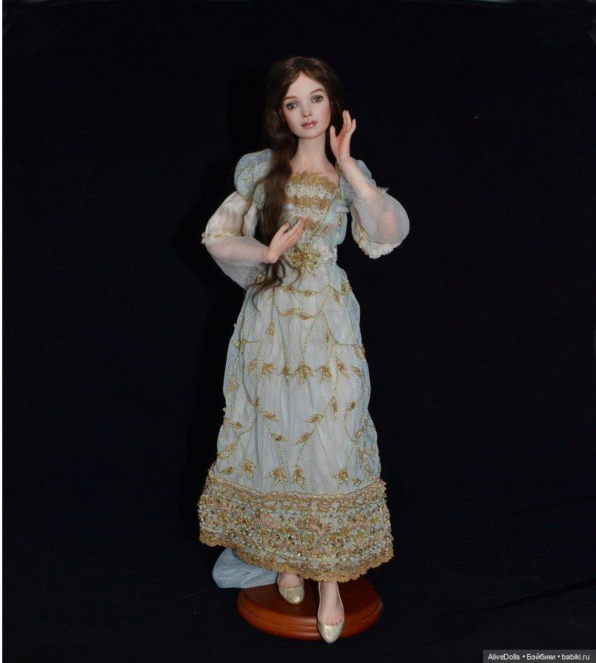 Мэри, фарфор, 40 см, платье в стиле модерн, ручная вышивка