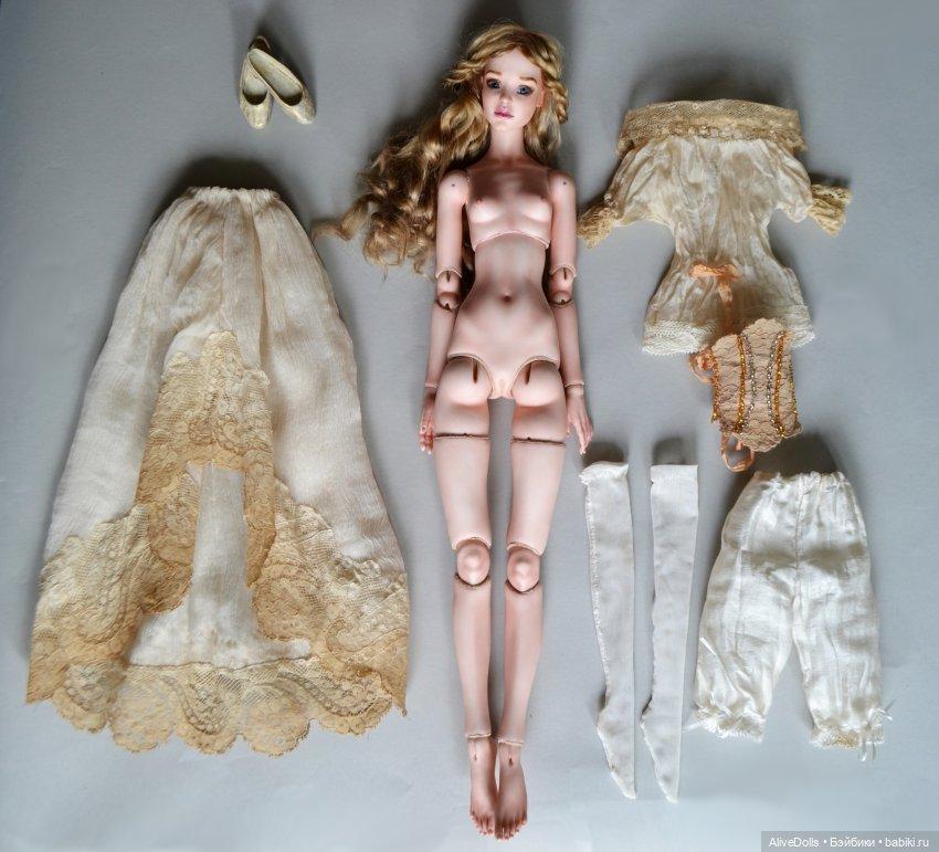 Шарнирная кукла из фарфора