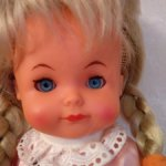Винтажная виниловая куколка малышка Западная Германия