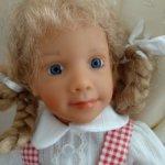 Девочка блондинка Schildkrot Evelyn Pfaffendorf