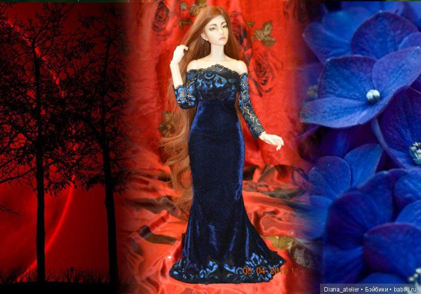 Платье для кукол формата СД из темно-синего стрейч-бархата, с длинными рукавами, со шлейфом и шнуровкой на спинке
