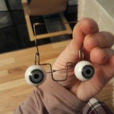 Установка флиртующих глаз из двух деталей