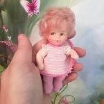 Маленькая неизвестная куколка