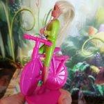 Фигурка Барби на велосипеде