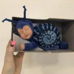 Пупсик Ovation Anne Geddes Кукла из серии Детки-улитки