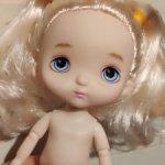 Шарнирная куколка, типа Холала, с хвостиками.