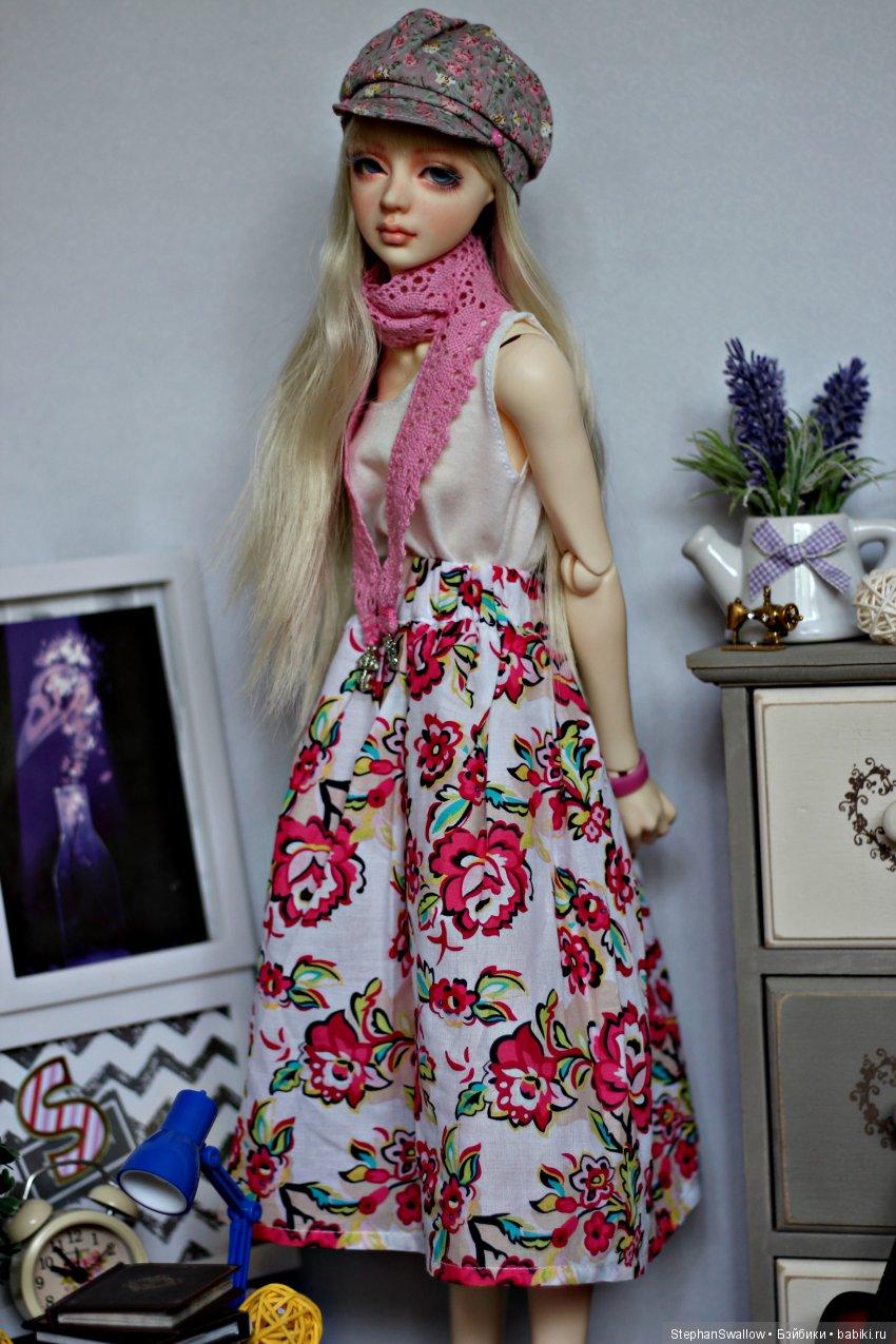 Комплект на sd13 girl: юбка, майка, кепка, шарф