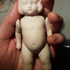 Антикварная фарфоровая куколка под роспись