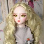Кудрявый парик пепельный блонд с мега объемом волос на куклу 60-63 см