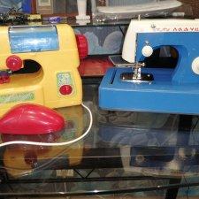 Швейная машинка Ладушка цена за две