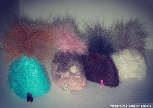 Валяные шапочки для кукол. Натуральная шерсть и мех.