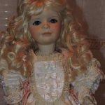 Фарфоровая кукла Саtherine