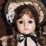 Репродукция антикварной куклы