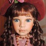 Коллекционная фарфоровая кукла