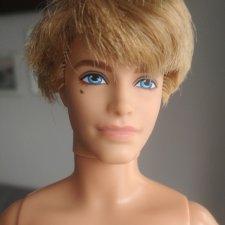 Кен 2009 г. Mattel.